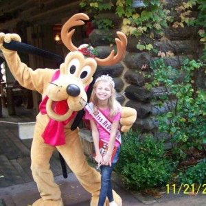 Miss Nebraska and Goofy, her favorite character