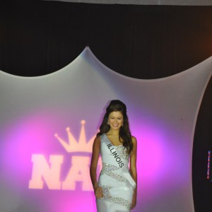 Miss IL Jr. Teen on stage competing in Formal Wear