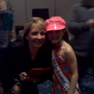 Rockin the 70's Miss Oklahoma Anna Lunday with mom