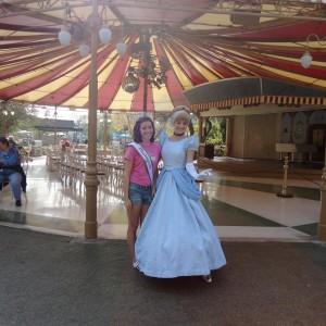 Ciearra Everill with her favorite princess!