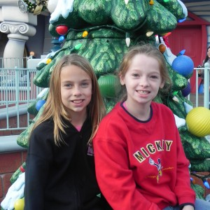 JPTs Mia and Bonnie in Toon Town