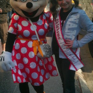 Kaylea Bixler OK preteen with Minnie!!