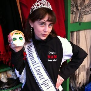 Pre-Teen Kyra Walters found a Sugar Skull!