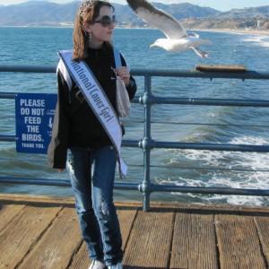 Pre-Teen Kyra Walters & Seagull at Santa Monica Pier