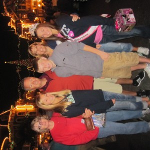 MN JR. Teen Abby Jeromes family at Disneyland