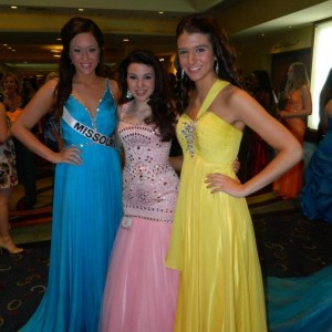 Miss Missouri Teen with Friends in Formal wear