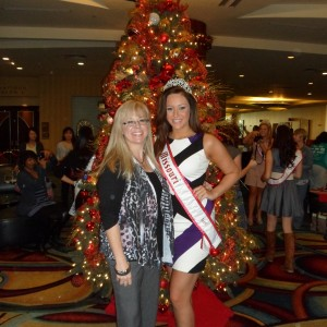 Miss Missouri Teen with her Mom in front of a Christmas tree
