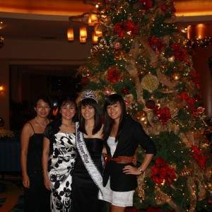 National Cover Miss Megan Viola-Vu and family with christmas decorations at the Anaheim Marriott