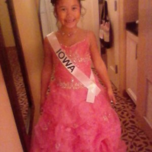 Miss Iowa princess Tanae Thiravong before heading down to the formal wear competition