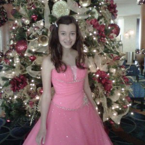 So Ca Pre-teen Danielle Deweese - xmas tree