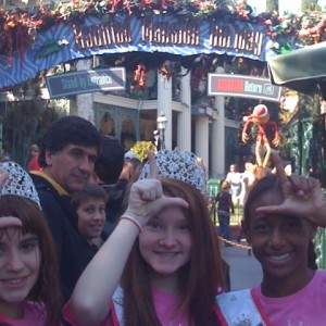 Jada Newkirk, Olivia Mercer and Cassidy Raasch of Team Leadership in front of the Haunted Mansion