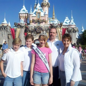 National Cover  Model with her family at Disneyland
