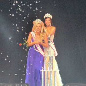 Jena Diller being crowned as the National American Miss Teen