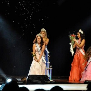 Amanda Moreno being crowned National All-American Miss