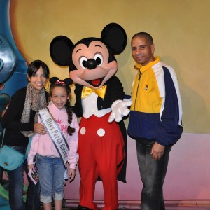 Miss Perth Amboy Jr Pre-Teen and her Family with Mickey