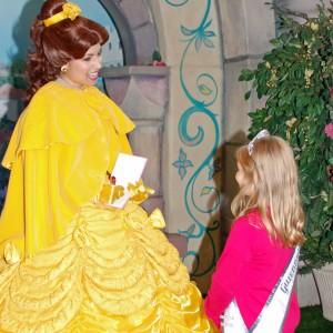 Princess Gwennyth Simmerman in deep conversation with Belle!!