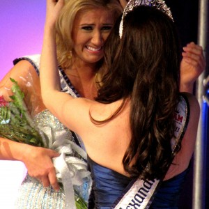 Alexandra Curtis crowning Kasey Knowles
