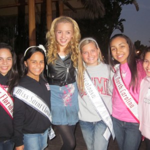 You never know who you'll run into in California! Pre-teen girls got a photo op with Disney channel's Peyton List!