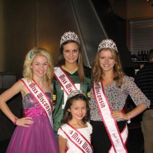 Wisconsin sister queens!