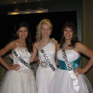 Miss Washington, Miss Wisconsin, and Miss Wyoming Pre-teens in formal wear