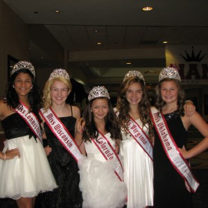 Thankful Pre-teen queens for new friends!