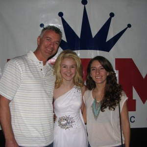 Local California family come to chear on their cousin, Miss Wisconsin Pre-teen, Brittany Georgia