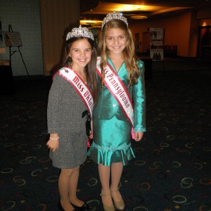 Jr Pre Teen PA Queen Debbie at registration making new friends