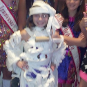 Madison Scheideler rocks in her toilet paper dress