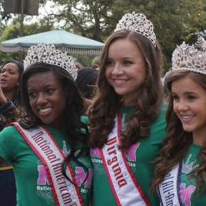 Miss Va Jr. Teen Sydni Alexander and her National Queens, Raven Delk and Maggie Marx at Disney