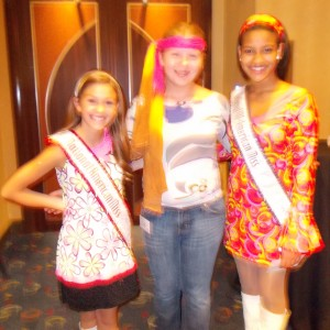 Illinois State Ambassador (Pre-Teen) Bridget Dunn with the 2011-2012 National American Miss Pre-Teen Regan Spoltman and the 2011-2012 All American Miss Pre-Teen Shereen Pimentel!