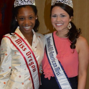 Oregon Preteen Queen Hailey Kilgore LOVES National Miss Amanda Moreno!