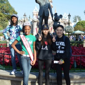 Oregon Preteen Queen Hailey Kilgore with her sisters at Disneyland!