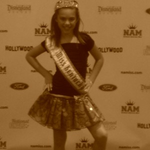 Miss Kentucky taking the red carpet