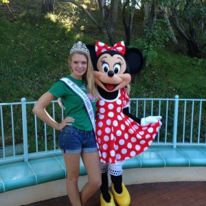 Sarah Bubbers with Mini Mouse