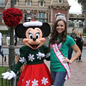 Miss Virginia Jr. Teen, Sydni Alexander, with Minnie Mouse!