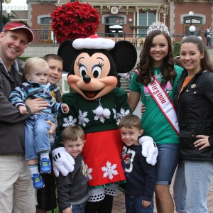 Miss VA Jr. Teen with Minnie and some family members