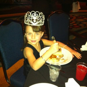 Princess Baylie Hileman, National Cover Miss 2012-13 enjoying Thanksgiving Dinner