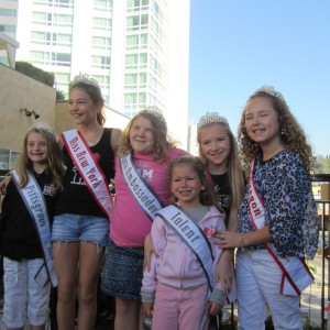 Cori and her entourage on the Hollywood tour