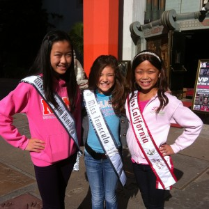 Robynne French, Melissa Soong, and Miranda Soong on the Hollywood Tour!