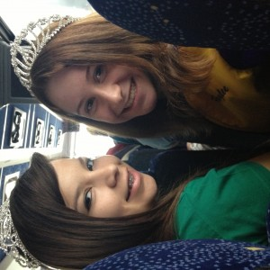 Jr teen haylee tingle and friend on the Hollywood tour