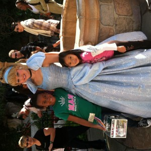Kailyna Thomas and cousin Lichele with Cinderella