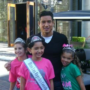 Jessenia Escamilla, Ariel Cardona,Ryanne Hernandez with Mario Lopez