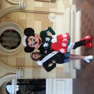 Kaitlyn Connell loves Minnie!
