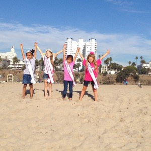 Miss Texas Princess Kristel with her Bus Team on their Hollywood Tour!