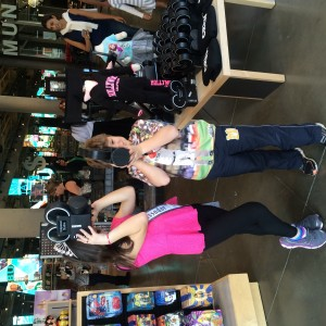 Pre-Teen Saphire Lapointe  n her brother enjoying Hollywood trip.