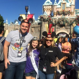 Pre-Teen Saphire Lapointe at Disney Park