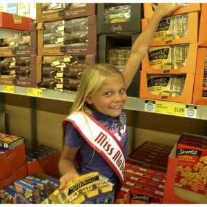 Caitlin Clark, Miss Alabama Jr. Pre-teen collects food items to donate for Blessings in a Backpack