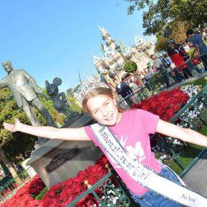 IL preteen Julia Gilmore loving Disney