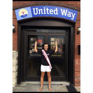 Miss Tennessee Pre-Teen, Kimberly Cox volunteers at the United Way of Robertson Way