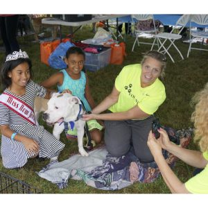Soleil Thomas, National American Miss New Jersey Jr. Pre-Teen, volunteers at the Mount Pleasant Animal Shelter